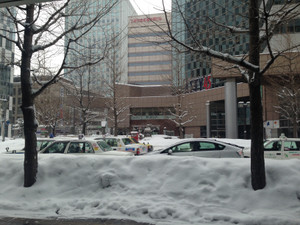 Sapporo_140204_6_snowcars